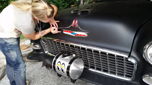 Pinstriping Old School Craftsmanship Is Still Alive And Well Chevy Classics Club