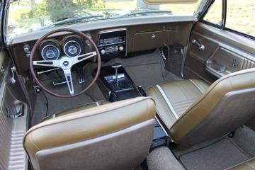 Camaro-interior-2